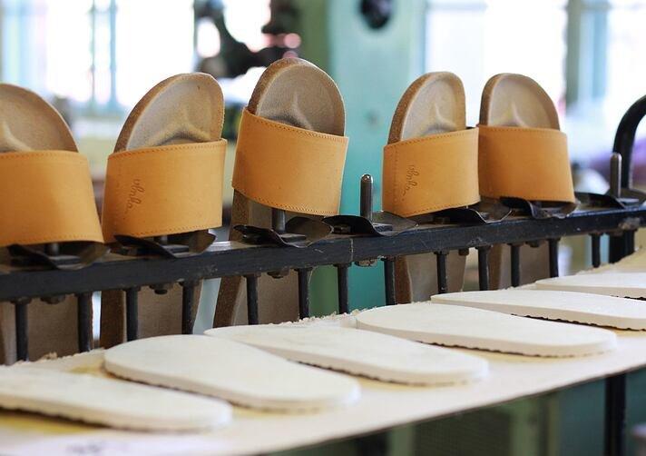 Păpuci de plută și producția lor