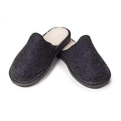 Men's felt slippers with sheep wool black