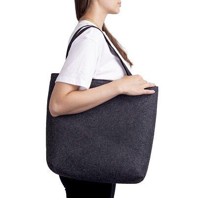 Filc táska rövid táskafülekkel - fekete