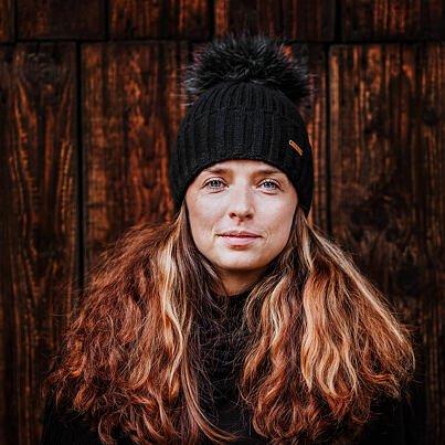 Wool cap Vlnka V04 - Black