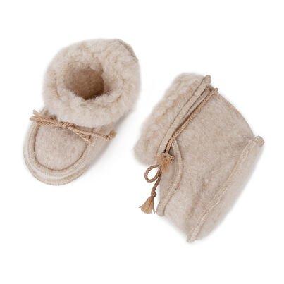 Newborn slippers from sheep wool