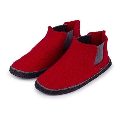 """Women's home felt slippers """"Nikol"""""""